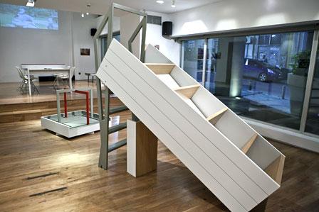 "Pieris Architects (Στελλα Πιερή, Πιέρος Πιερής), ""Πόλη (μορφικά) Οίκο (συστήματα): O Παιδότοπος του Σήμερα, η Κοινωνία του Αύριο"""